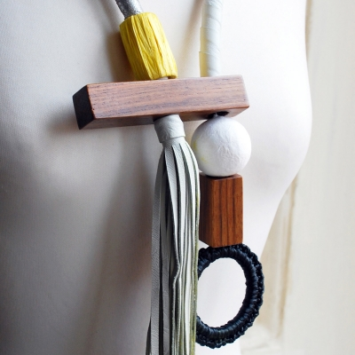 Collana con frangia Cappio, arancio by Cardillo_Design