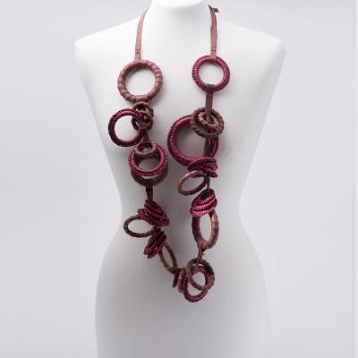 Collana lunga ad anelli Zero, bordeaux by Cardillo_Design